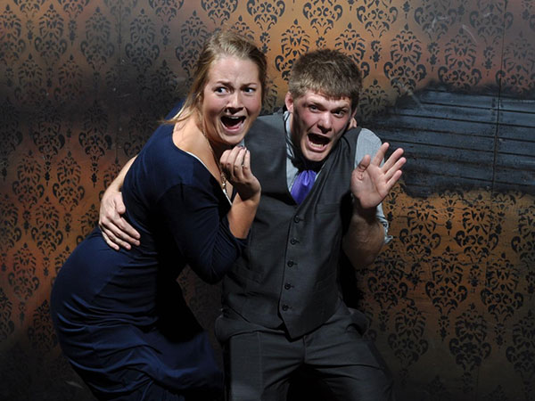 A couple screaming in Nightmares Fear Factory