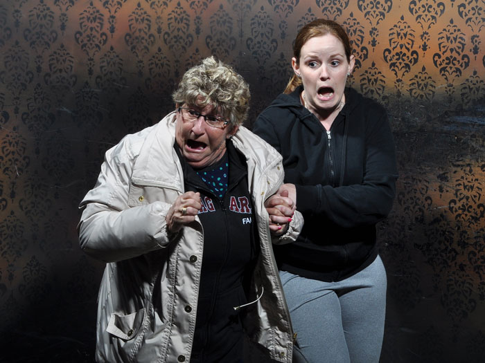 Mother and daughter scared inside haunted house